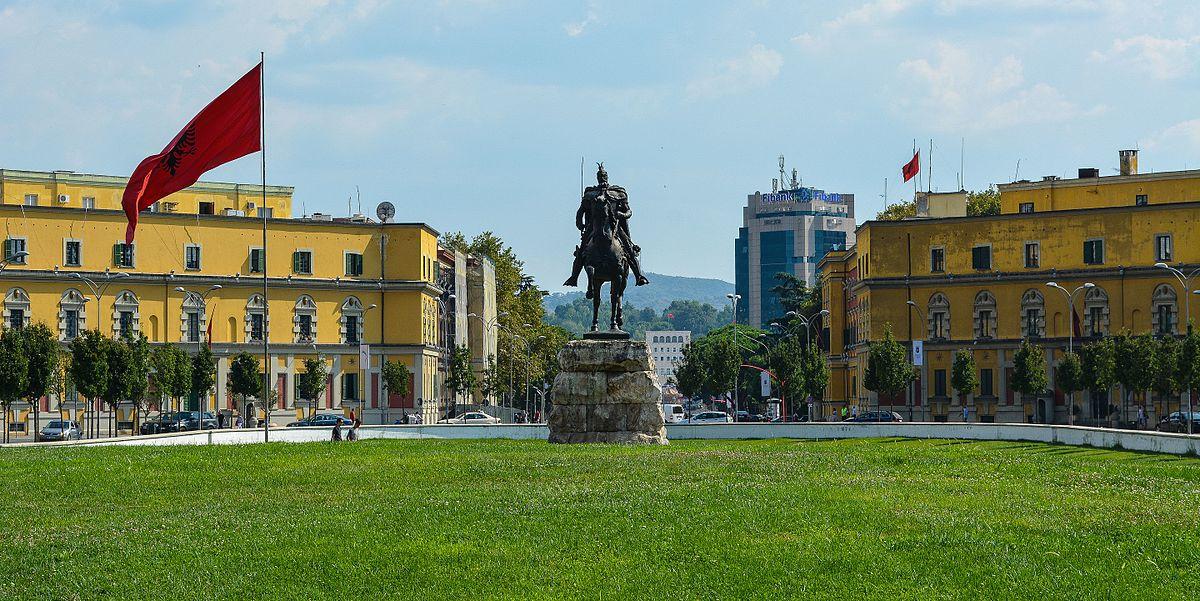 Moti në Tiranë