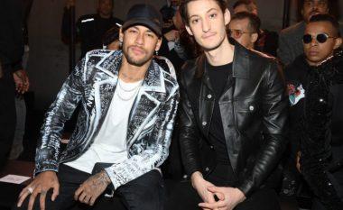 Neymar pyetet se a do të kthehet te Barcelona, braziliani e ofendon gazetarin