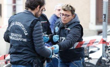 Dalin pamjet e vrasjes makabër! Si shqiptari qëlloi me thikë të shoqen me fëmijën në krahë (FOTO LAJM)