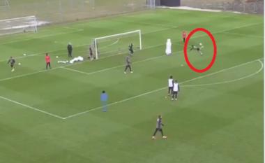 """Goditje """"akrepi"""", shikoni super golin e shënuar në stërvitjen e Danimarkës (VIDEO)"""