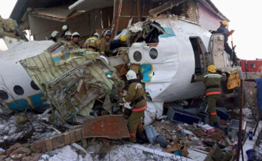 Rrëzohet avioni në Kazakistan, të paktën 4 viktima