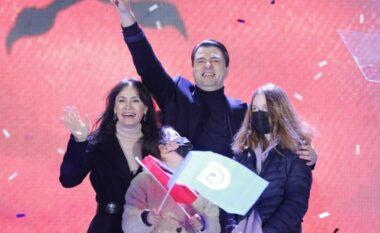 Emocionuese! Momenti kur familja e Bashës ngjitet në podium (FOTO LAJM)