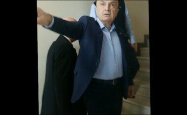 Policia bashkiake mësyu në zyrat e FRD, Meta: Do përfundoni si policët e Mubarakut