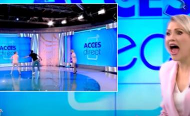 E pazakontë! Gruaja lakuriq futet live në emision të vrasë moderatoren (VIDEO)