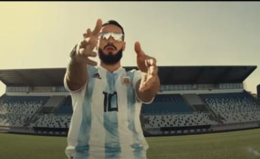 Capital T i dedikon këngë Maradonës (VIDEO)