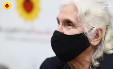 """Rama bën """"bamirësin"""" me të moshuarit, ata e falenderojnë për vaksinën (VIDEO)"""
