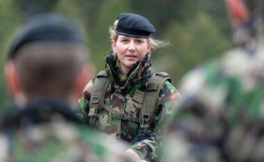 Për herë të parë, në Ushtrinë e Zvicrës do të lejohen të brendshmet për gratë
