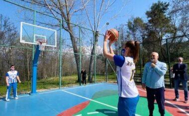 """""""Kur të rrafin gocat"""", Rama basketboll me vajzat te Liqeni (VIDEO)"""