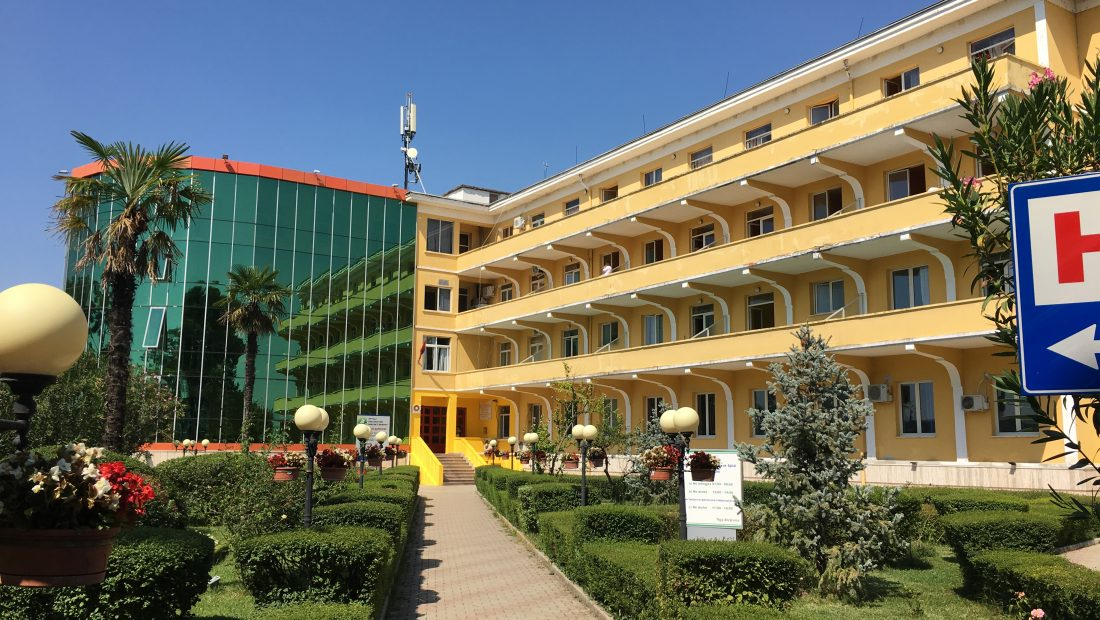 Bie ndjeshëm numri i infeksioneve të reja, a do të Sanatoriumi si spital COVID?