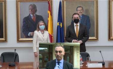 A do të kërkojë Bujar Osmani njohjen e Kosovës nga Spanja? Përgjigjet Artan Grubi (VIDEO)