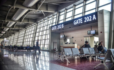 Gjermania do të kërkojë teste COVID për të gjitha fluturimet hyrëse
