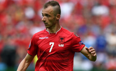 Ansi Agolli: Shqipërisë t'i japim pak kohë