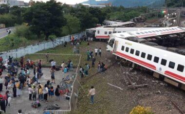 Përplasen trenat në Indi, të paktën 32 të vdekur dhe 60 të plagosur