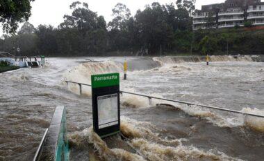 Përmbytja më e madhe në 50 vitet e fundit, Australia shpall gjendjen e fatkeqësisë natyrore (FOTO & VIDEO)