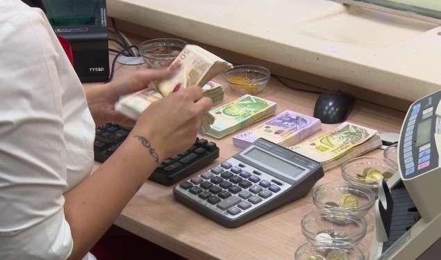 Deklarimi i të ardhurave, Qeveria shtyn afatin e dorëzimit