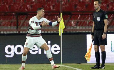 """Irritimi i Ronaldos pas golit të anulluar, """"plas"""" në tokë shiritin e kapitenit (VIDEO)"""