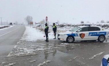 Ngrica dhe borë, policia apel shoferëve: Si të kërkoni ndihmë nëse keni vështirësi