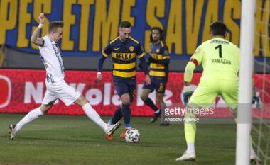 Çekiçi sinjal Rejas, shënon super gol në Turqi (VIDEO)