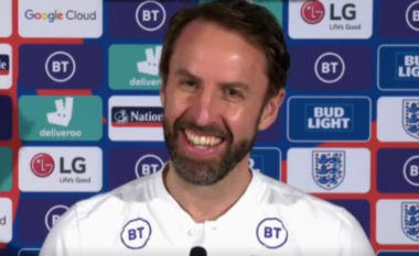 Reklama shqiptare i ndërpret fjalën trajnerit të Anglisë gjatë konferencës, ky është reagimi i tij (VIDEO)