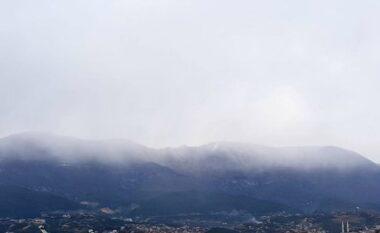 Rikthehet dimri, mali i Dajtit zbardhet nga dëbora