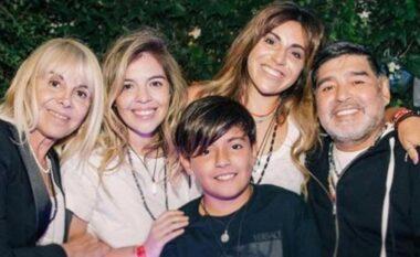 Publikohen fakte: Mjeku i Maradonës ofendon shumë rëndë dy vajzat e tij
