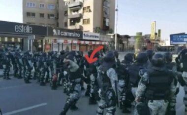 """Rasti """"Monstra"""", policët që gjuajtën me gurë kaluan vetëm me vërejtje, protestuesit në burg"""