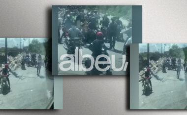 """Momente frike, banda e armatosur i bën """"pritë"""" autobusit të kësaj kombëtareje (VIDEO)"""