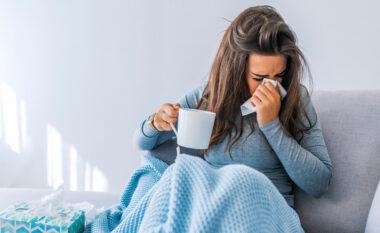 5 ushqime që duhet t'i shmangni dhe 5 që duhet t'i hani kur jeni sëmurë me ftohje