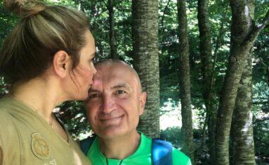 Me një puthje në ballë, Kryemadhi i uron ditëlindjen Metës: Të dua si adoleshente