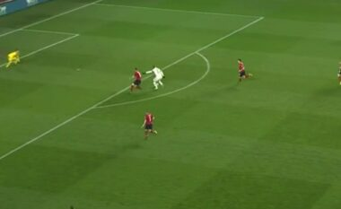 Reagon Belgjika, barazon rezultatin ndaj Çekisë (VIDEO)