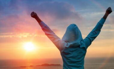 10 mënyra si të përdorni mendimin pozitiv për të përmirësuar jetën