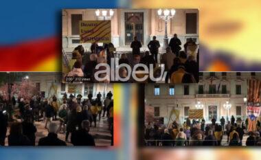 """Kosova merr vëmendjen në Spanjë, katalanasit organizojnë protëstë në favor të """"Dardanëve"""" (VIDEO)"""