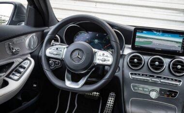Mercedes tërheq 2.6 milionë makina nga Kina