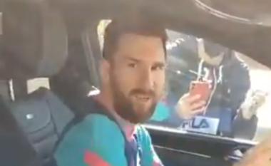 """""""Si mund ta bësh çdo ditë, ndalo"""", Messi nervozohet me djalin që e filmon (VIDEO)"""