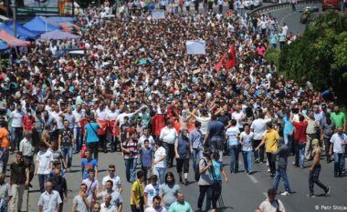 Caktohet data e protestave të reja shqiptare në Shkup