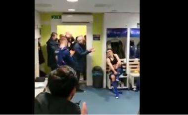 Çfarë gjest madhështor nga Mourinho, shikoni çfarë bën te dhomat e zhveshjes së Dinamos (VIDEO)