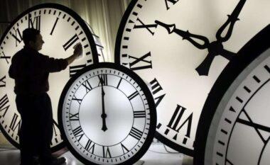 Edhe këtë vit ora do ndryshojë, në fundjavë akrepat shkojnë para