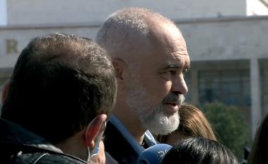 Rama: Brenda majit, vaksinohen gjysmë milion shqiptarë (VIDEO)