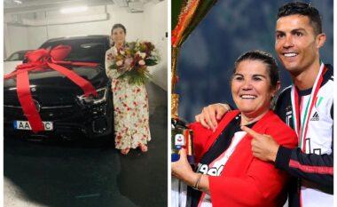 Ronaldo nuk kursehet, surprizon të ëmën me një tjetër makinë luksoze