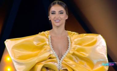 """Moderatorja sfidon konkurrentët me look-un në puntatën e """"Style Star"""""""