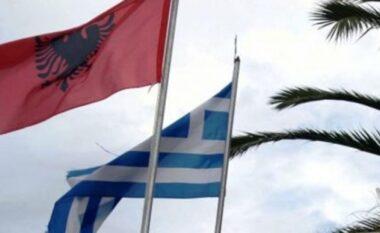 Lajm i mirë për emigrantët në Greqi: Shtyhen lejet e qëndrimit