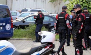 """Qarkullonte lart e poshtë me armë në brez, """"Shqiponjat"""" arrestojnë 20 vjeçarin në Tiranë"""