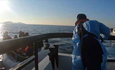 Roja bregdetare greke hedhin në det një grup azilkërkuesish, tre viktima