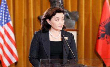 """""""Dita ndërkombëtare e Lirisë së Shtypit"""", ambasadorja amerikane: Demokracia kërkon liri"""