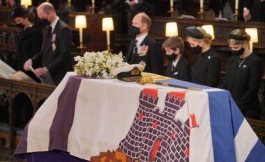Cili është kuptimi i flamurit që mbuloi arkivolin e Princ Philip