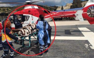 Aeroplani turk bie në det, shpëtojnë mrekullisht dy pilotët (VIDEO)