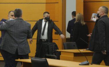 Incidenti/ Prokurori i shkarkuar nuk pranon vendimin, ndjek nga pas anëtarët e KPK-së