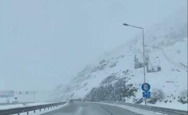 """Rikthehet bora: Valbona dhe Kukësi """"vishen"""" me të bardha (FOTO LAJM)"""