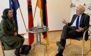 Ambasadori gjerman thirrje shqiptarëve: Shkoni votoni!