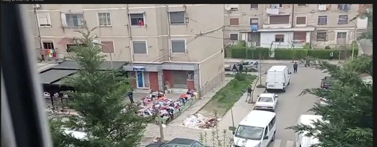 Dalin pamjet pak minuta pas vrasjes në Elbasan, banorët e pallateve të tmerruar (VIDEO)